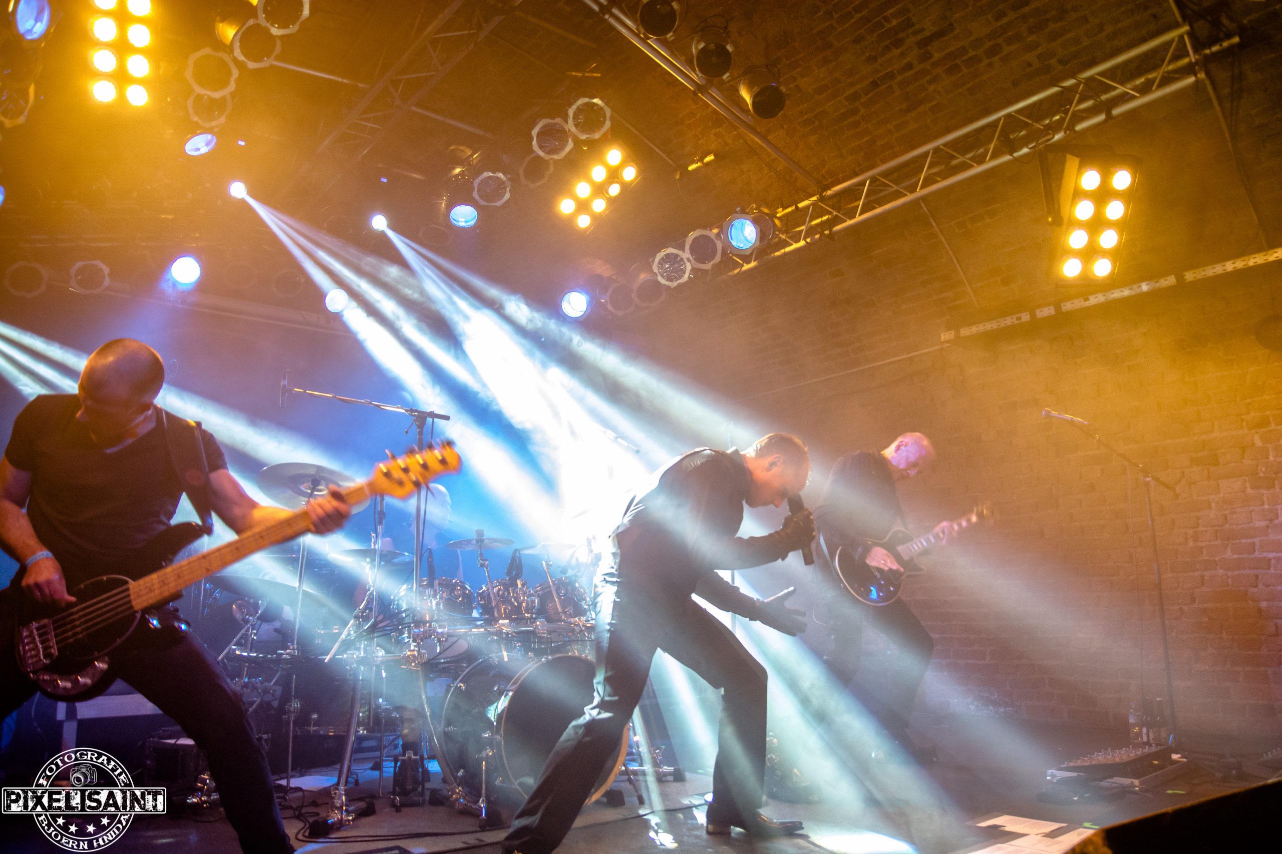 Lichtgestalt in der Matrix in Bochum