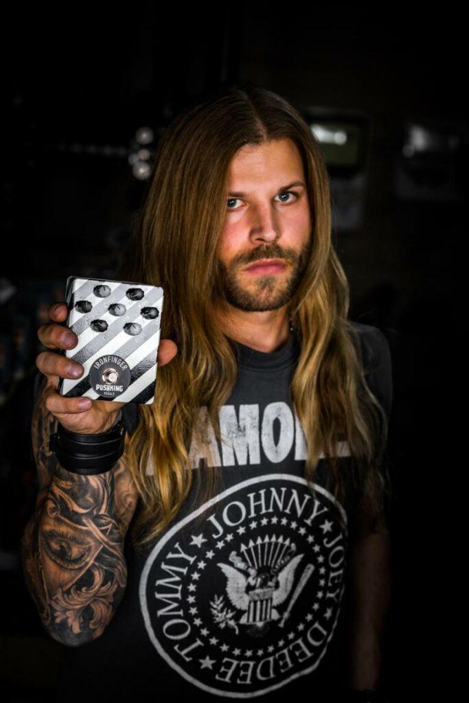 pixelsaint-fotografie-sperling-customguitar-1-34